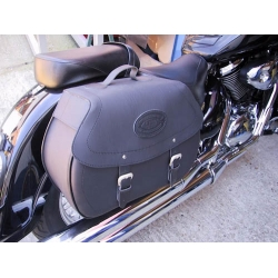 Click and Lock Saddlebags SUZ VL800LC HC138S3